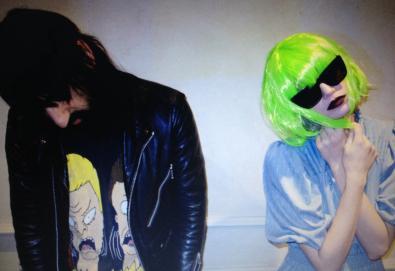 Crystal Castles confirma lançamento do primeiro álbum com a nova vocalista