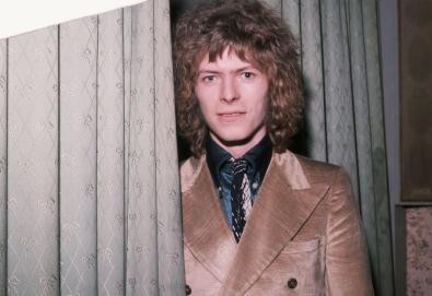 """Demo inédita de David Bowie gravada em 1970 é compartilhada; Ouça """"To Be Love"""""""