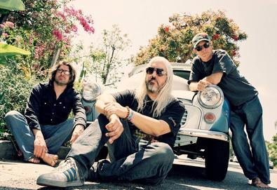 Dinosaur Jr. anuncia 'Give a Glimpse of What Yer Not', um novo álbum