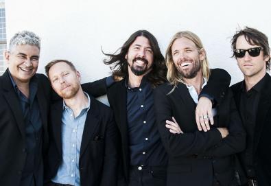 Foo Fighters anuncia novo álbum, 'Concrete and Gold'