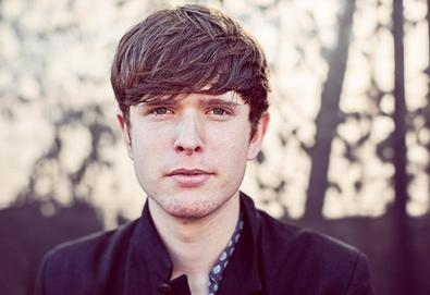 James Blake surpreende e desbanca Arctic Monkeys e David Bowie no Mercury Prize