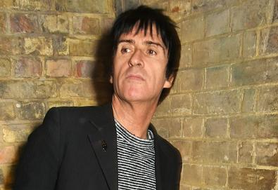 "Johnny Marr lança vídeo do single ""The Tracers"""