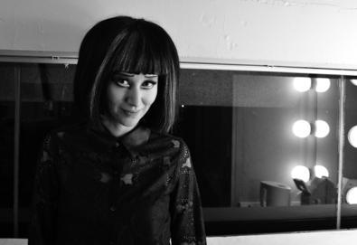 Karen O faz dueto com membros do Vampire Weekend e The Walkmen
