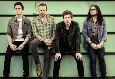 "Novo vídeo do Kings Of Leon: ""Beautiful War"""
