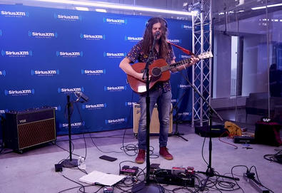 "Kurt Vile apresenta cover de ""Learning To Fly"" (Tom Petty)"