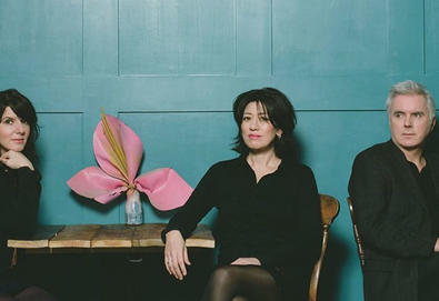 "Lush confirma EP e lança vídeo de nova música - ""Out of Control"""