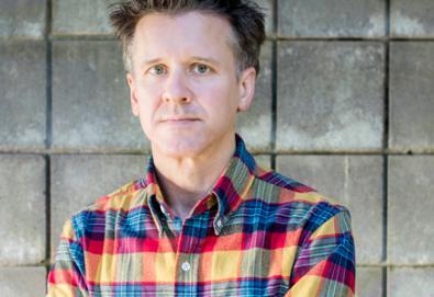 Prestes a lançar seu primeiro álbum solo, Mac McCaughan se apresenta em São Paulo