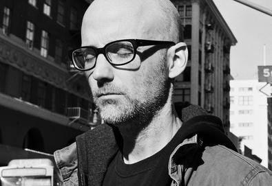 Moby anuncia novo álbum, 'Everything Was Beautiful, And Nothing Hurt'; Veja o video do single 'Like A Motherless Child'