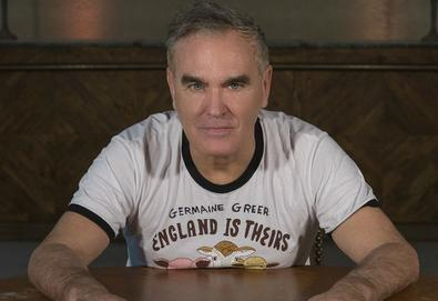 "Morrissey lança single; Ouça ""Spent the Day in Bed"""