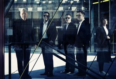 """New Order lançará documentário; """"Decades"""" chega em setembro"""