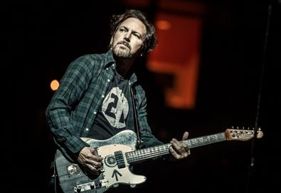 "Pearl Jam faz versão de ""Draw The Line"", do Aerosmith, homenageando Joe Perry"