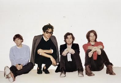 "Phoenix lança single, ""J-Boy"""