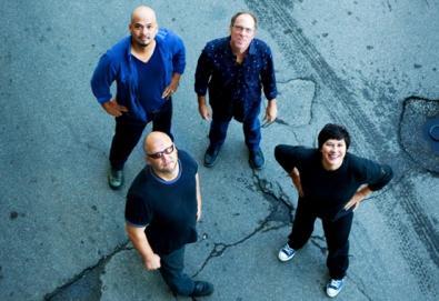 Pixies manda recado para Kim Deal
