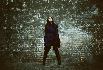PJ Harvey apresenta uma pequena amostra de seu próximo álbum