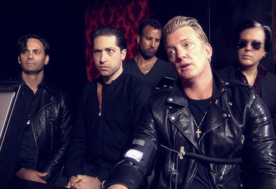 Queens Of The Stone Age confirma novo álbum, 'Villains'