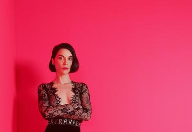 St. Vincent anuncia 'MASSEDUCTION', o novo álbum