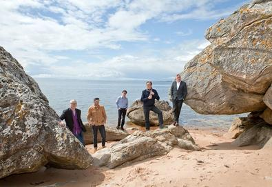 "Teenage Fanclub confirma novo álbum - 'here'; Ouça o single ""I'm In Love"""