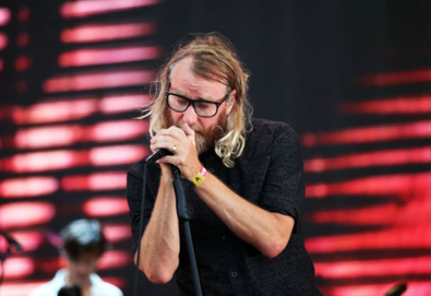 "Matt Berninger, líder do The National, canta em concerto de ""Game of Thrones"""