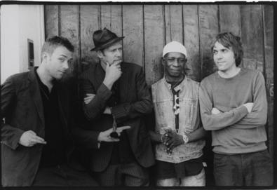 Supergrupo The Good, The Bad & The Queen trabalha com produtor de David Bowie em novo disco