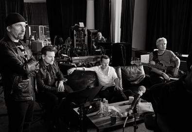 """Novo disco do U2 chega em dezembro; confira os detalhes de """"Songs of Experience"""""""