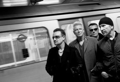 """U2 lança vídeo de uma nova música, """"The Blackout"""""""