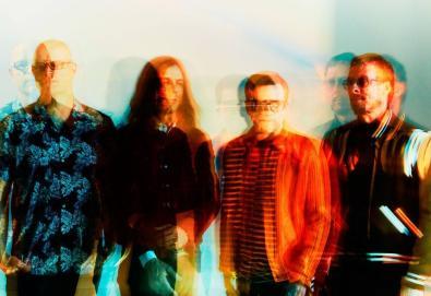 "Weezer lança videoclipe da cover de ""Africa"" (Toto)"