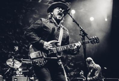 """Wilco divulga faixa rara; ouça aqui """"Myrna Lee"""" e veja detalhes das reedições de """"A.M."""" e """"Being There"""""""