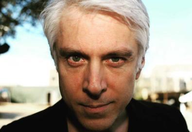 Bill Rieflin, último baterista do R.E.M., morre aos 59 anos