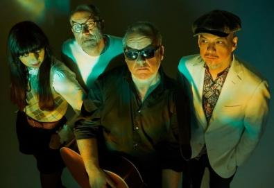 "Pixies releases new single, ""Hear Me Out"""