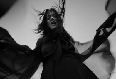 "Sharon Van Etten lança vídeo de uma nova música, ""Beaten Down"""