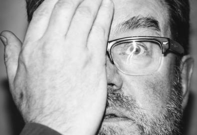 Vaughan Oliver, designer gráfico dos Pixies, morreu aos 62 anos